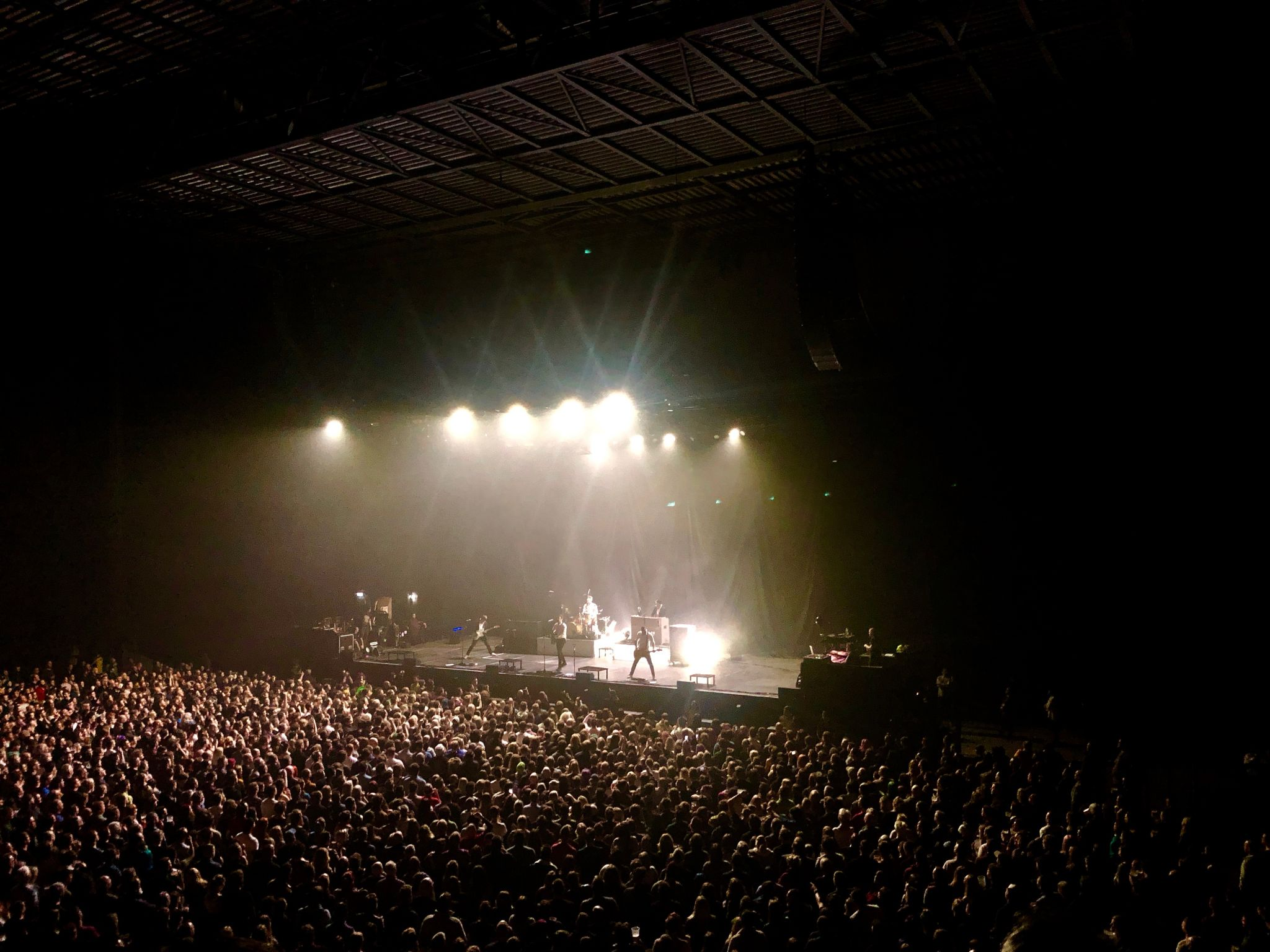 the crowd at the frank turner concert