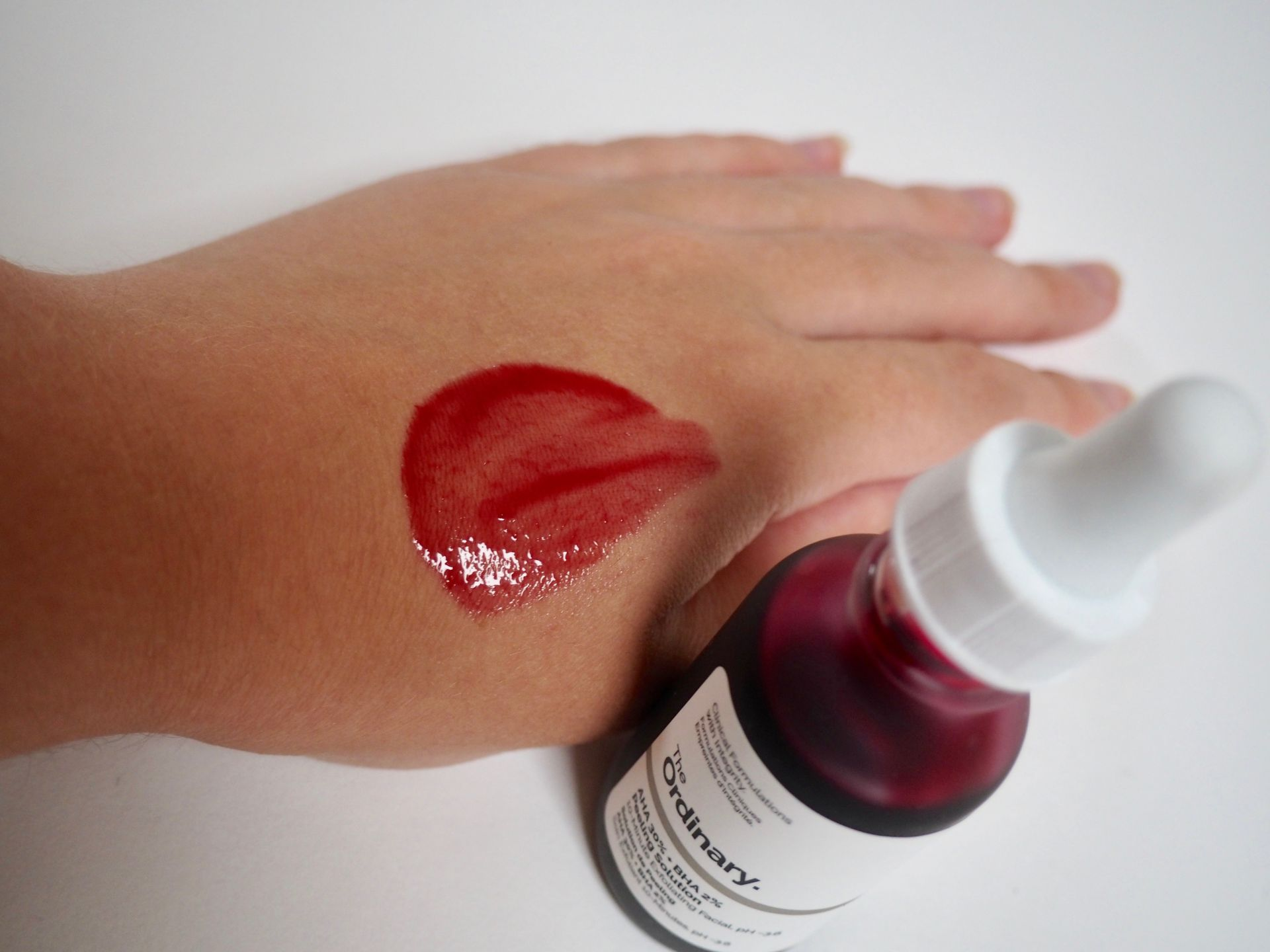 The ordinary AHA 30% + BHA 2% Peeling Solution.
